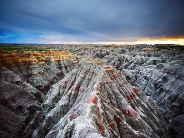 Watch your eyes: brave the colorful Badlands