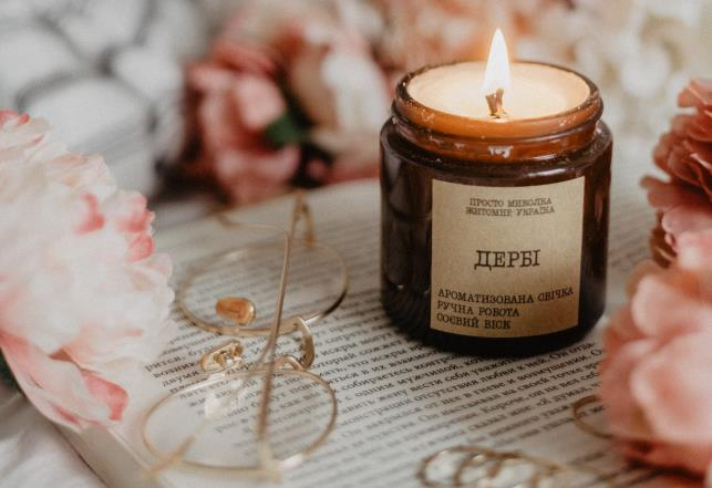 Smells good: beautiful candles with relaxing scents