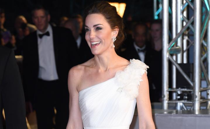 Aha! Kate Middleton uses this trick to hide bra straps