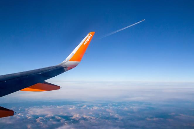 easyJet will offset the CO2 emissions of all flights