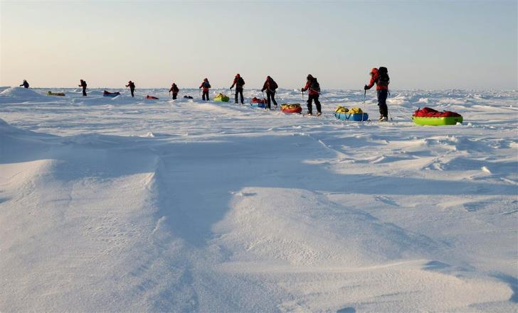 Climate change: Crossing Arctic travelers at risk due to thin ice