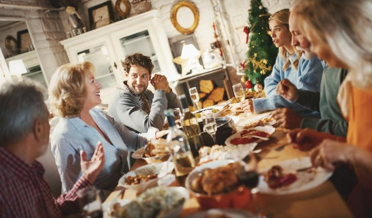 15 original questions to ask (clean) family during Christmas